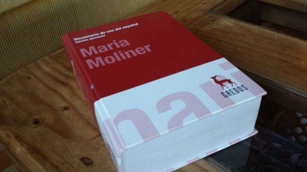María Moliner, su diccionario, y sus críticas a la Academia