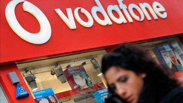Vodafone devolve a un usuario 900 euros tras cobrarlle durante 13 meses cotas superiores á contratada