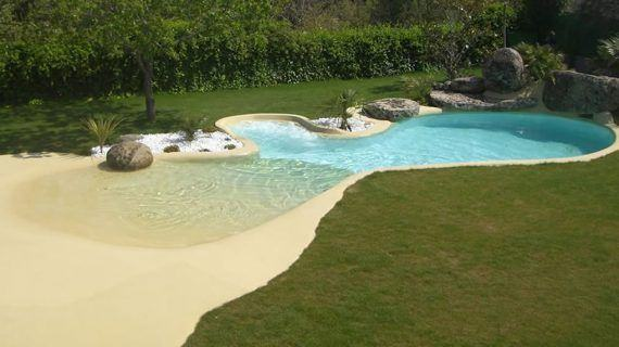 Las piscinas de arena, una nueva tendencia en la construcción de piscinas
