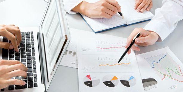 La importancia de elaborar un informe sobre el sector de una empresa antes de hacer negocios con otra empresa