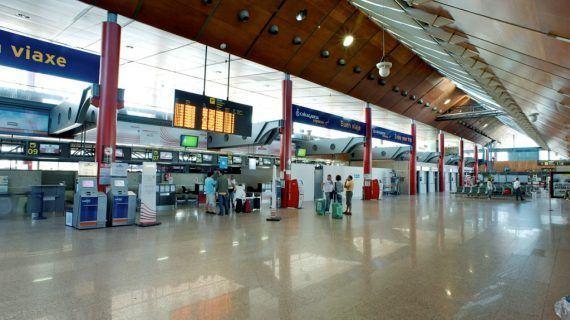 """O alcalde salienta a """"senda de crecemento imparable"""" do aeroporto de Vigo"""