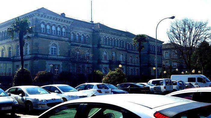 Denuncian a paralización das oposición aos corpos xerais da Xunta de Galiza