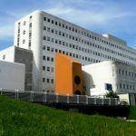 Denuncian a situación das tcaes e enfermeiras de quirófano de urxencias do Hospital do Meixoeiro