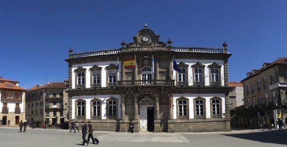 Representantes do Bloco de Esquerdas buscan en Pontevedra propostas para Braga, Famaliçao e Guimarães