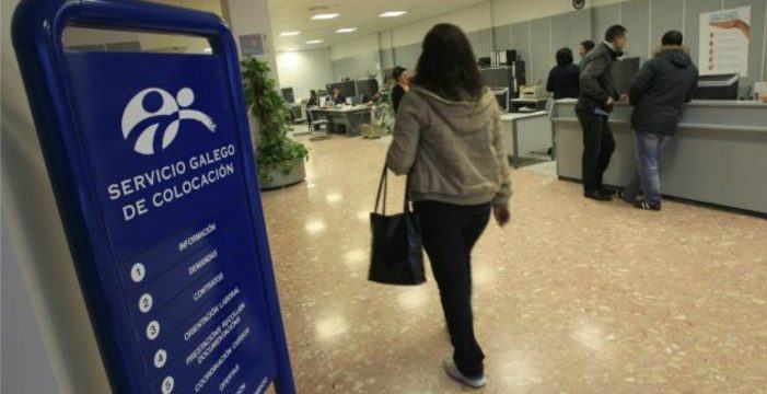 Seis de cada dez persoas que están sen traballar en Galiza non perciben ningunha prestación