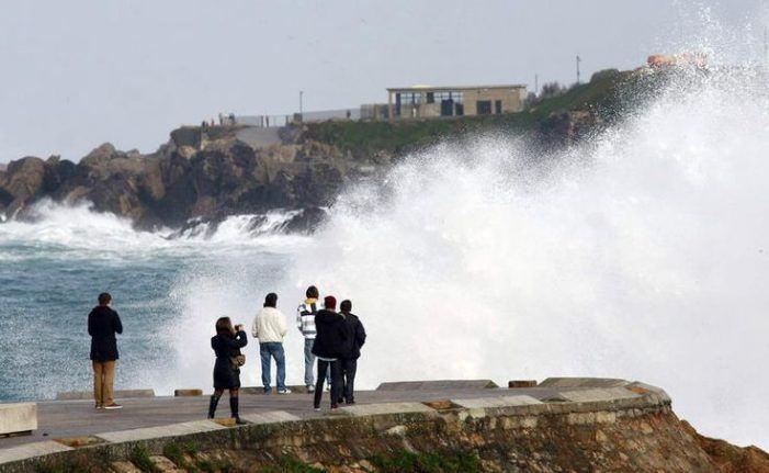 A Xunta alerta dun temporal de nivel laranxa que dará comezo mañá en toda Galicia