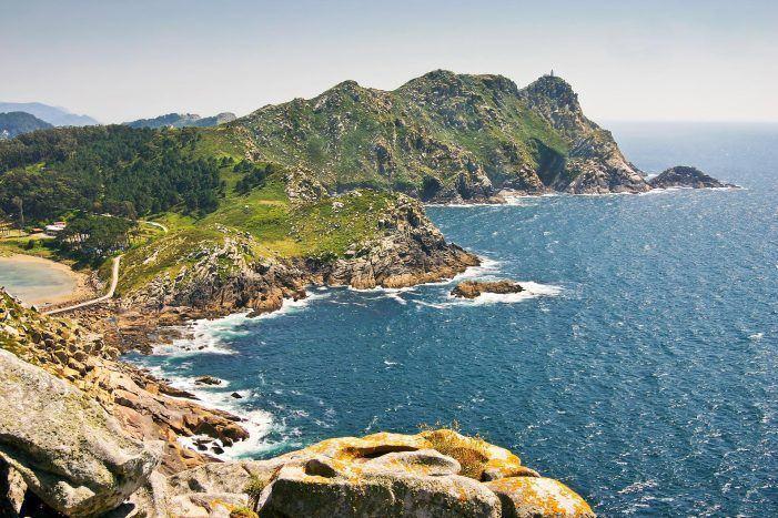 """A Xunta presenta en Fitur Illas Cíes-Parque Nacional Illas Atlánticas, """"a candidatura de todos os galegos"""" Escoitar"""