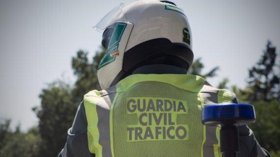 Tres persoas feridas ao saírse da vía o coche no que viaxaban en Ponteareas
