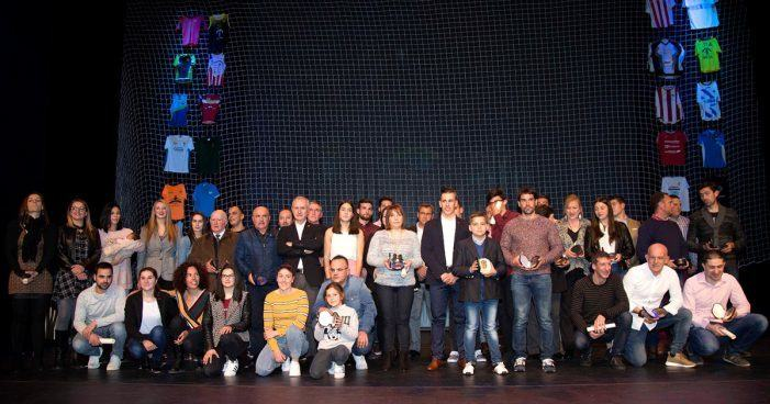 Manu Garrido, Óscar Graña e Ramón Ferro na categoría masculina e o equipo de Kaiak Polo do Club de Piragüismo Penedo Te Importa na feminina Premio Deporte Tudense 2017