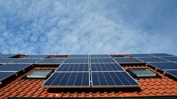 Autoconsumo con paneles solares low cost, que no te engañen