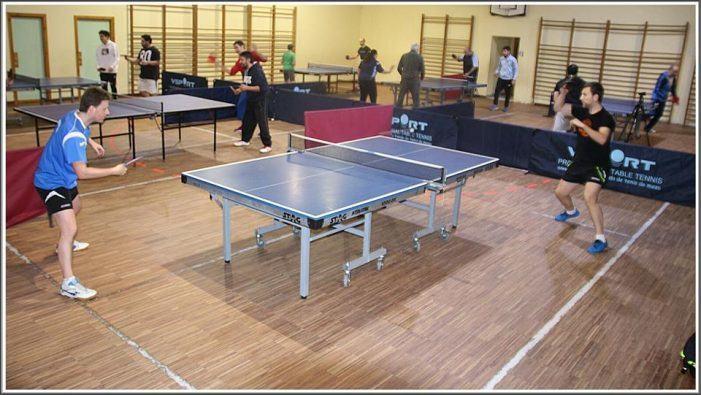 A Universidade alíase co Club Tenis de Mesa de Vigo para impulsar este deporte entre a comunidade universitaria