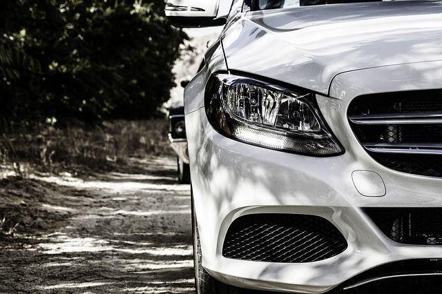 Mantenimiento del coche: de los neumáticos a la batería