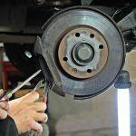 Tips que debes conocer antes de llevar la moto o coche al taller