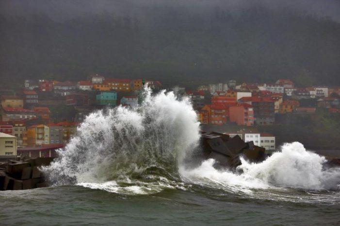 A Xunta activa mañá a alerta laranxa por temporal costeiro nas provincias da Coruña e Lugo