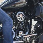 ¿Conoces la equipación que debes llevar en moto?