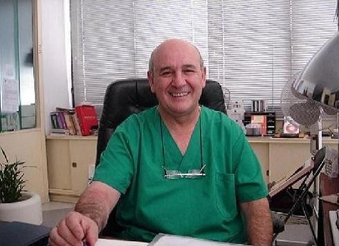 El dermatólogo José Luis Pozo imparte una conferencia en Baiona sobre el cuidado de la piel