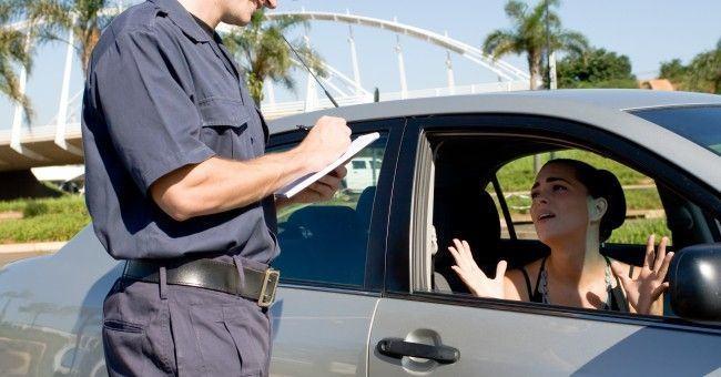Multas de tránsito: Lo que debe saber un conductor