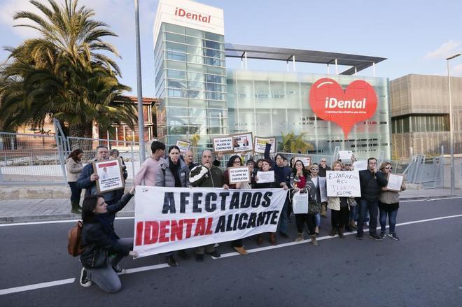 Cierra en Rivas Vaciamadrid otra clínica iDental: pacientes afectados siguen sumándose a la plataforma de FACUA