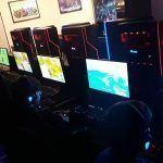 Jugadores de Fortnite ganan dinero en un bar gaming de Vigo