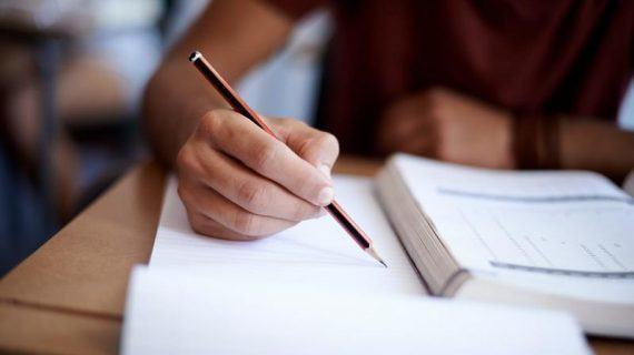 Educación publica o calendario escolar para o curso 2018/19, no que se adiantan a xuño as probas extraordinarias de 2º de bacharelato