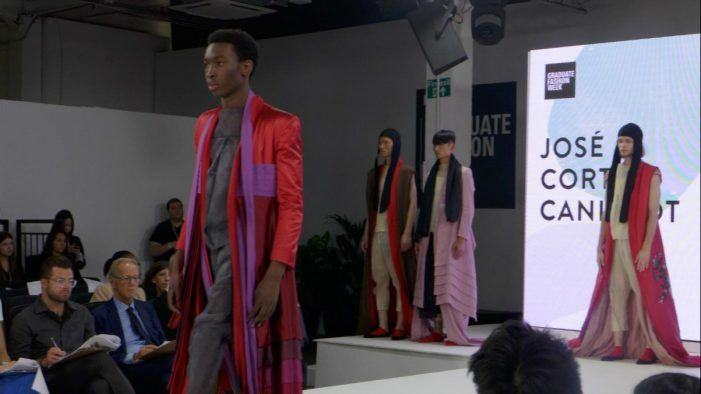 Esdemga exhibe o seu talento nunha das capitais mundiais da moda
