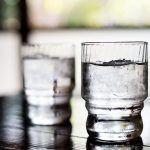 La OCU lanza #PideJarraDeAgua por una ley que obligue a ofrecer a restaurantes agua del grifo gratis