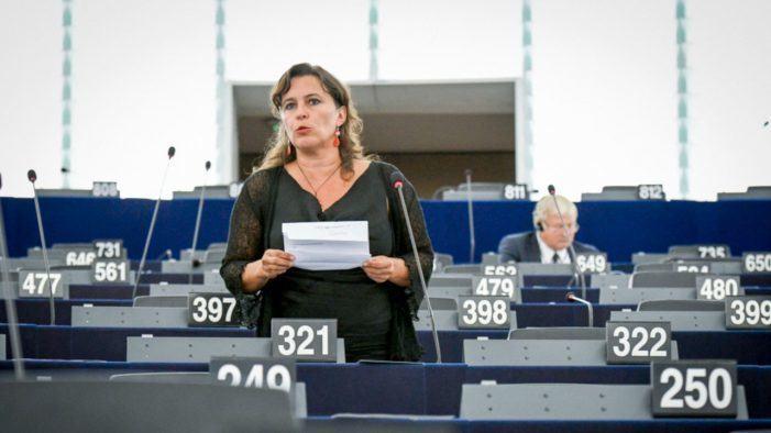 Galiza debe ter máis fondos europeos para axudar ás persoas con Alzheimer, os seus familiares e coidadoras