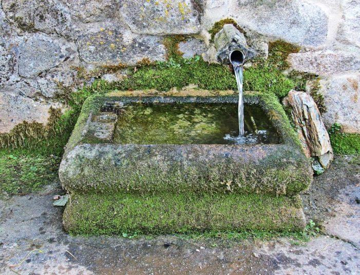 O concello de Pontevedra prorroga o contrato da auga até a resolución dun recurso administrativo