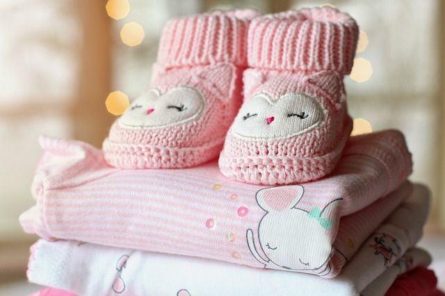 ¿Cómo ahorrar en ropa de bebé durante el primer año? Descubre estos consejos