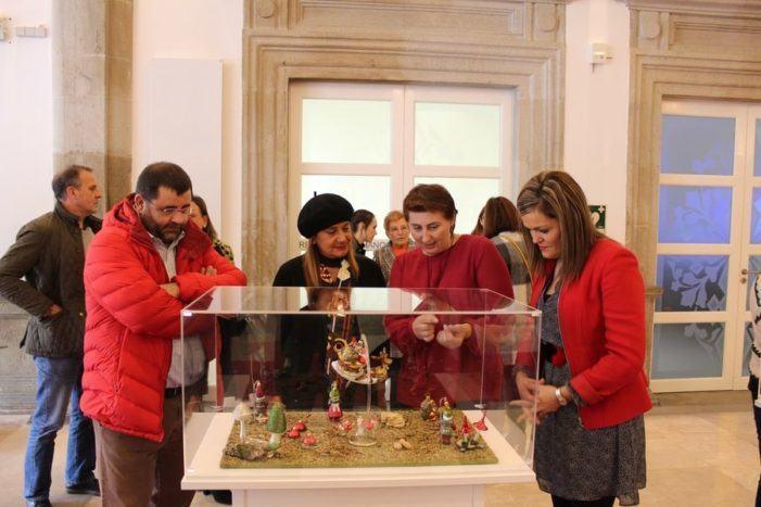 """O Nadal chega á Deputación de Pontevedra cunha exposición baseada na artesanía e a diversidade europea que pecha a campaña """"Somos historias"""""""
