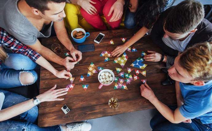 Juegos Para Jugar Con Amigos Online En Casa En La Calle O Donde