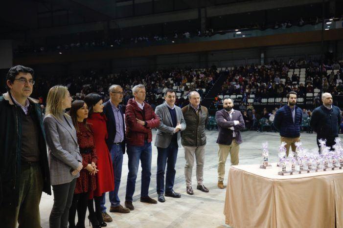 Fotos do vicepresidente da Xunta e o conselleiro de Cultura asistindo ao II Concurso de Rondallas en Vigo