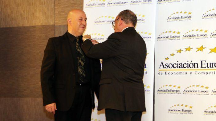 Medalla de ouro europea ao mérito no traballo ao arquitecto Carlos Henrique Fernández