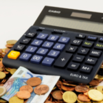 ¿Cómo puede ahorrar un autónomo en el pago de sus impuestos?