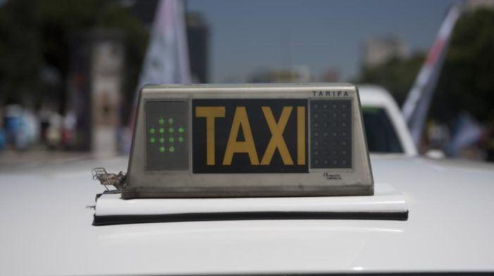 Piden unha regulación equilibrada para poñer fin ao conflito do taxi
