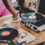 El tocadiscos, la opción perfecta para escuchar la mejor música