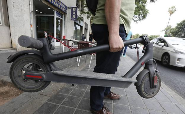A Policía Local de Pontevedra aumentará o rigor na vixilancia para que bicicletas e VMP circulen polas calzadas