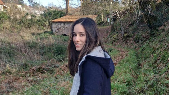 Naír Melo Pazos, natural de Santa María de Tebra, gaña o concurso de deseño da camiseta Día das Letras Galegas de Tomiño