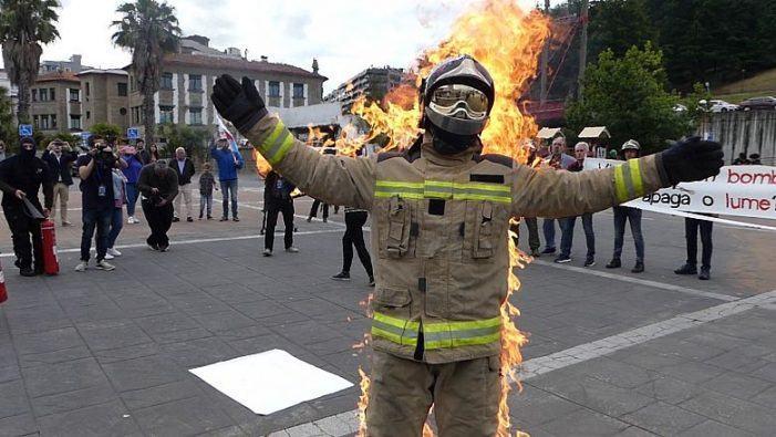 Marea de Vigo denuncia a falla de control na adquisición da roupa de traballo do corpo de bombeiros