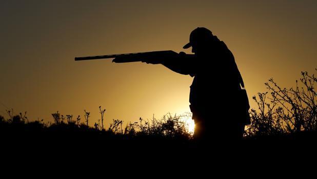 A proposta de que os cazadores realicen o seguimento de poboacións cinexéticas ten fins espurios