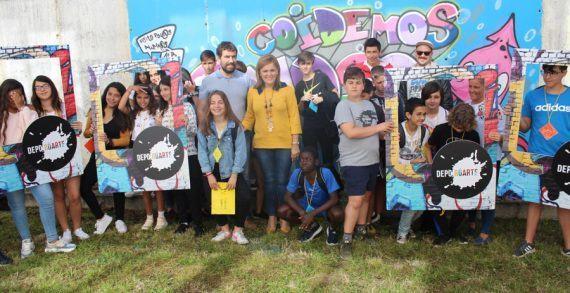 """""""Coidando o noso mar"""", a proposta polo medio ambiente do alumnado do IES de Chapela no seu mural de DepoRúarte"""