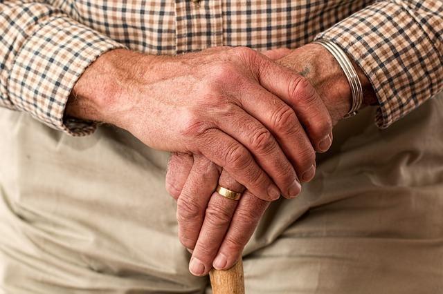 Cuidado de personas mayores: la importancia de contar con expertos