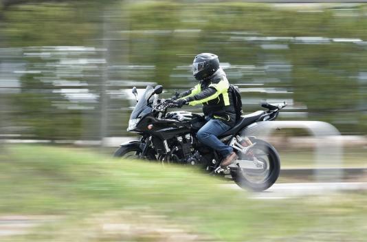 Cómo renovar tu moto comprando accesorios homologados