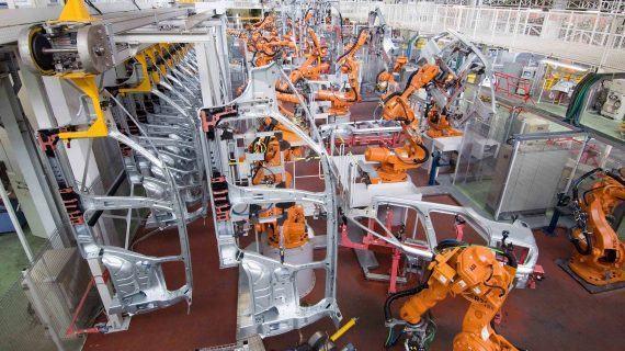 El Gobierno reafirma su compromiso con el futuro del sector de la automoción