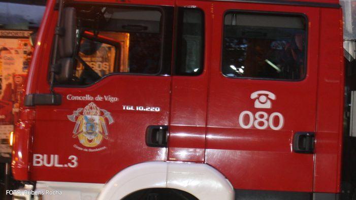 Unha muller trasladada despois dun incendio na cociña dunha vivenda en Vigo