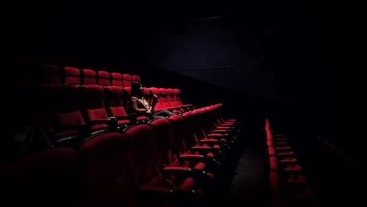 Disfruta de las mejores críticas y los mejores estrenos de cine con PelisPlus