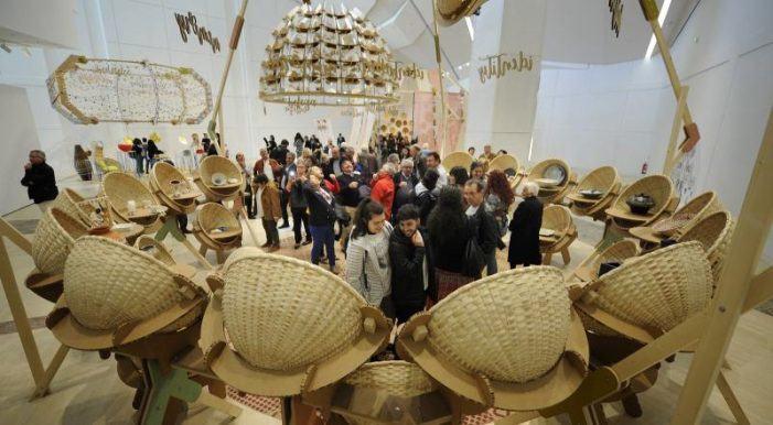 O Museo Gaiás abre á noitiña a exposición 'Pensar coas mans' nas visitas con música e petiscos de 'As Nocturnas'