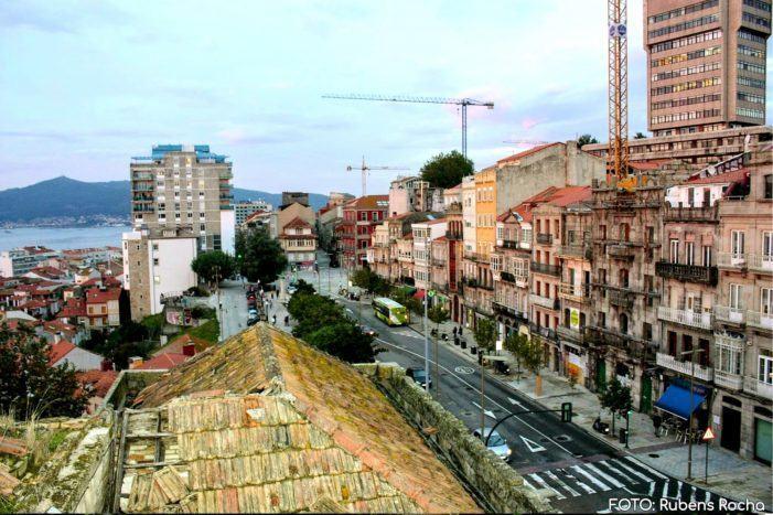 Concentración a favor da peonalización do Paseo de Alfonso XII sen tunel