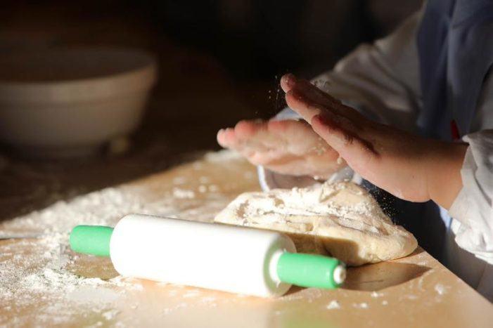 Arranca 'Os Pans do Camiño', un proyecto gratuito para formar jóvenes en panadería y repostería