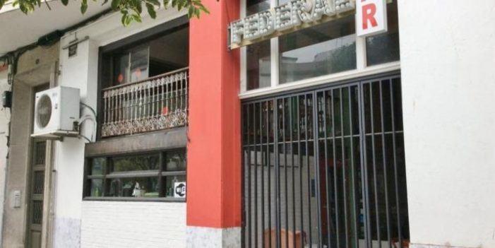 O local Federal Bar de Pizarro acolle un mercadillo, nin made in nin farrapo de ghaitas!